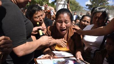 Guatemala comienza los funerales por las 36 adolescentes muertas por un incendio en un centro de menores