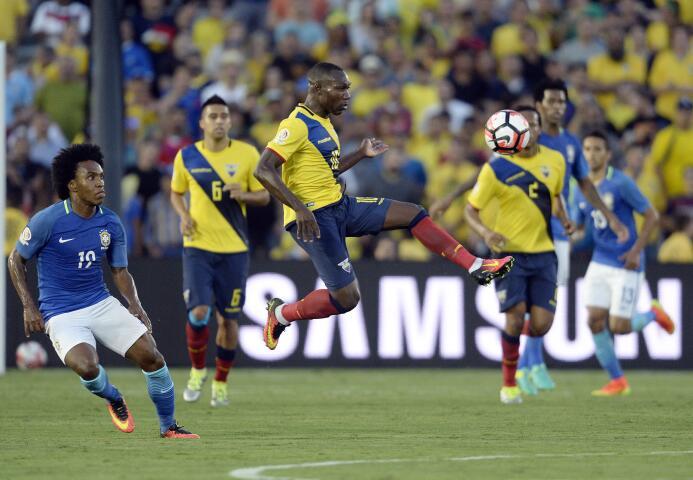 El talento de la LigaMX presente en la Copa América 07-GettyImages-53820...