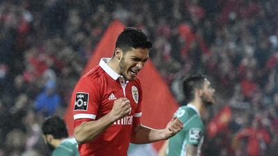Raúl Jiménez sigue encendido con el Benfica