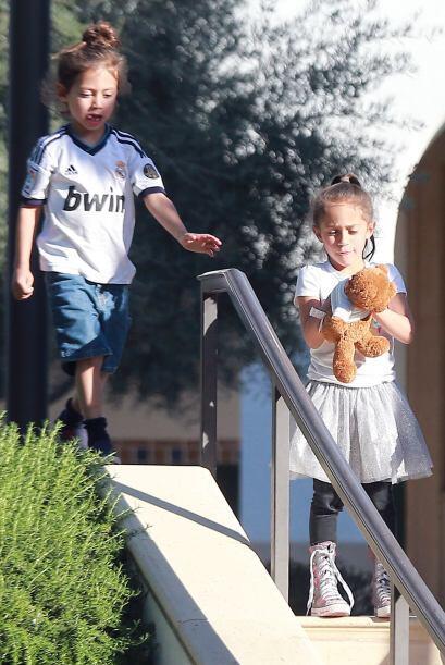 Max llevaba un jersey del Real Madrid. Más videos de Chismes aquí.