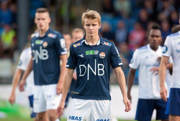 Martin Ødegaard: Es un delantero fino que se desempeña en el Stromsgodse...