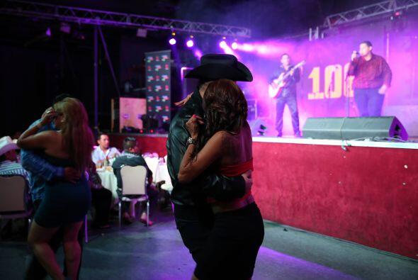 Gerardo Ortiz puso a todas como locas en el Show Palace el pasado jueves...