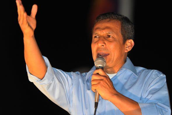 Humala proclamó en la noche del domingo su pase a la segunda vuelta y di...