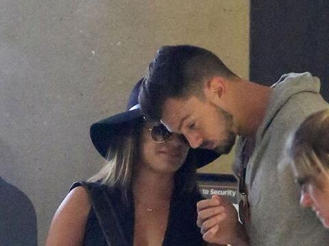 Lea Michelle y su novio fueron vistos en el Aeropuerto de Los Angeles. M...