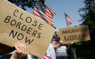 Protesta antiinmigrante en California