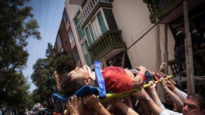 Al menos 21 niños muertos en un colegio de Ciudad de México derrumbado p...