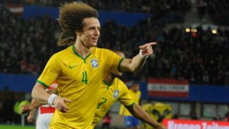 David Luiz anotó el primero de Brasil.
