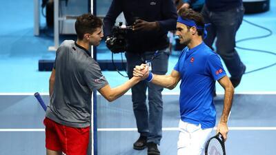 Federer se reivindica con victoria sobre Thiem en el Masters de Londres
