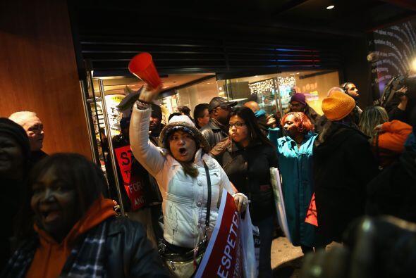 Muchos de los trabajadores que protestaban son empleados de empresas de...