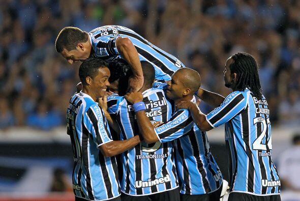 El conjunto brasileño fue local en el partido del Grupo 3 del certamen d...