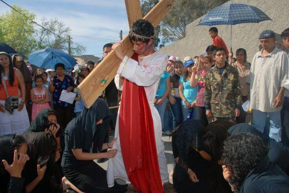 Miles de migrantes centroamericanos viven su 'Vía Crucis' persona...