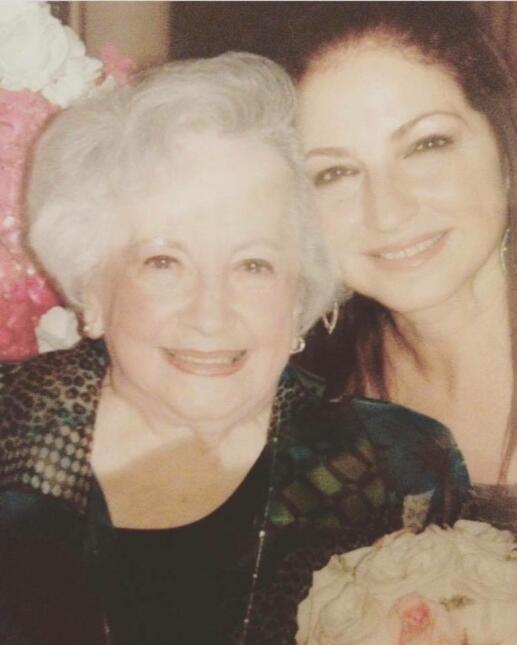 Se nos fue nuestra querida 'Rapuela', la mamá de Gloria Estefan. Mira su...
