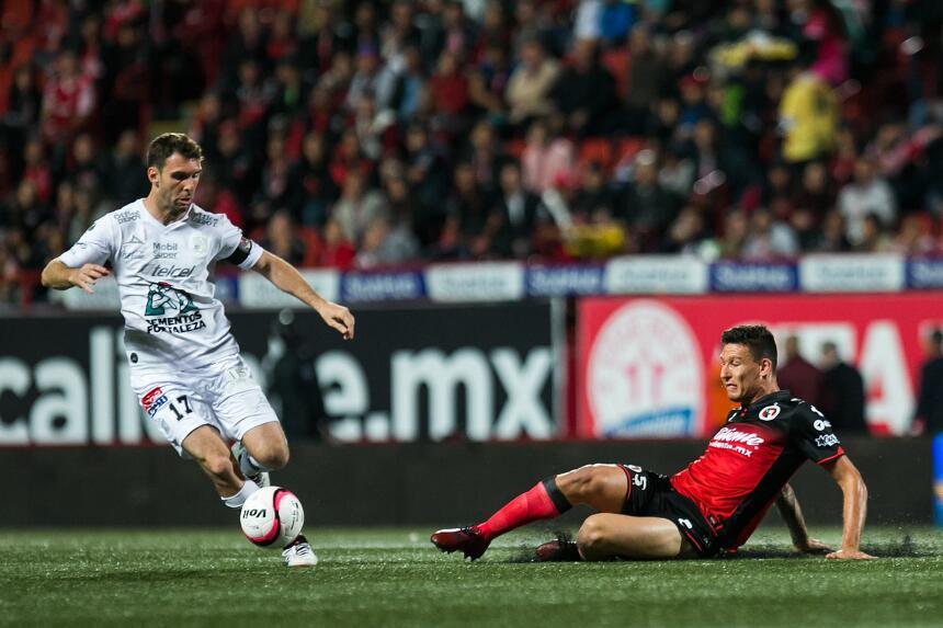 Los Xolos remontan al León y siguen soñando con la Liguilla 20171103-620...