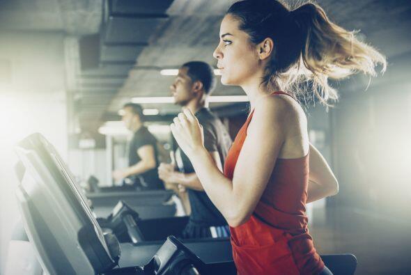 No haces ejercicio. Aunque creas que ejercitarte te cansará más, llevar...