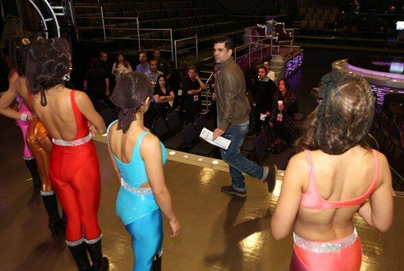 Es muy importante que antes de iniciar el show, las participantes pongan...