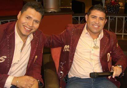 """Al show también llegan los integrantes de la """"Banda MS"""" que tienen baila..."""