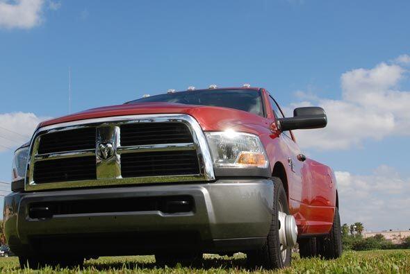 Esta camioneta mantiene el estilo y diseño de los otros modelos de la lí...