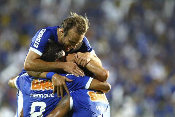 Cruzeiro aplastó al Deportes Tolima por 6-1 en la ciudad brasileña de Se...