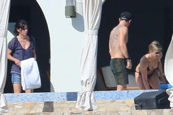 La hermosa pareja de Jennifer Aniston y Justin Theroux fue captada sin q...