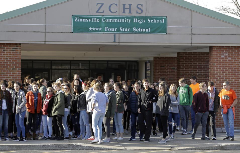 Zionsville, Indiana. Los estudiantes de la secundaria Zionsville High Sc...