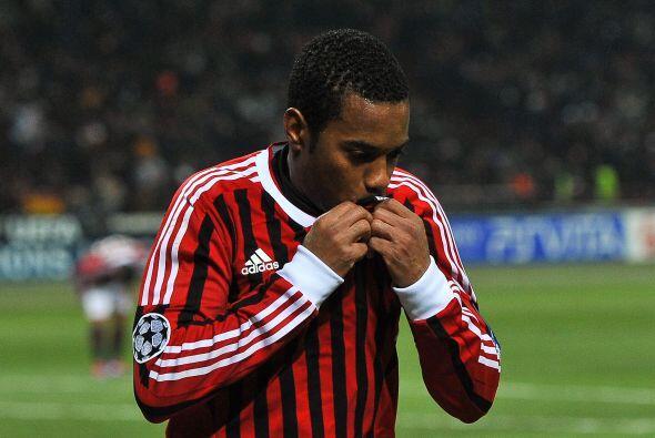 Robinho, quien no está pasando por su mejor momento, fue el autor del 2-0.