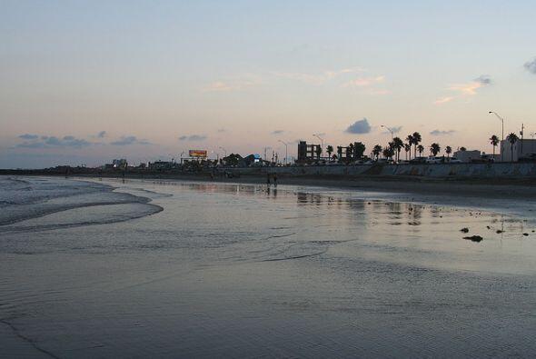 Si quieres seguir recorriendo las playas del estado, también te recomend...