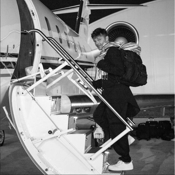 RIcky Martin avión 2
