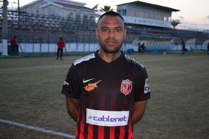 Omonia Nicosia 3-[0] Ermis: Edgar Pachecho llegó a 16 partidos en esta t...
