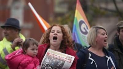 En 2014 parejas gay podrían casarse legalmente en Reino Unido.