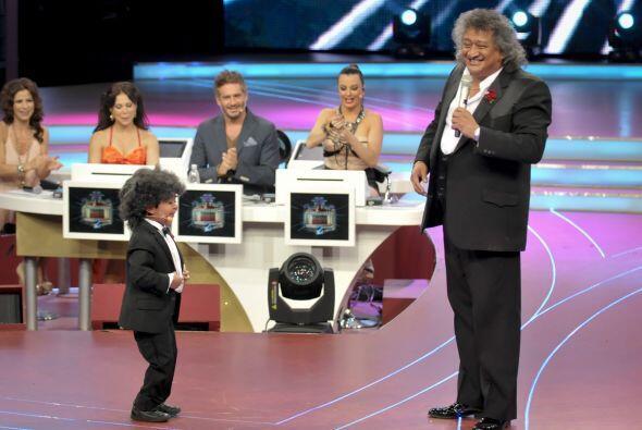 El comediante reconoció que Rogelio podría ser su nieto pues tienen un g...