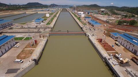 El Canal de Panamá inauguró el 26 de junio un tercer juego...