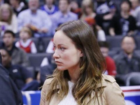 Olivia Wilde y Jason Sudeikis disfrutaron de un buen partido de basketba...