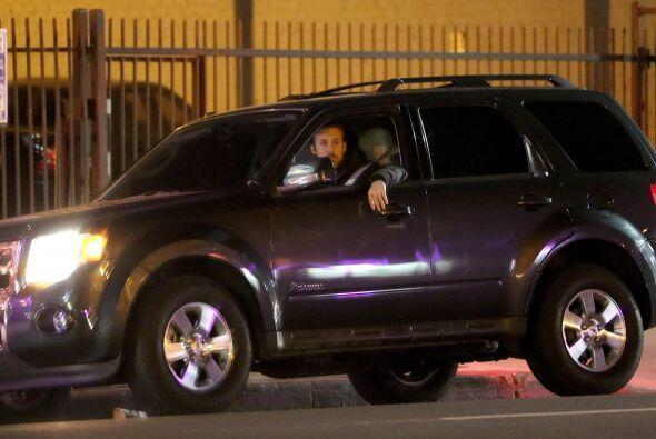 Lo vimos muy sospechoso en Los Ángeles, como esperando a alguien. Más vi...