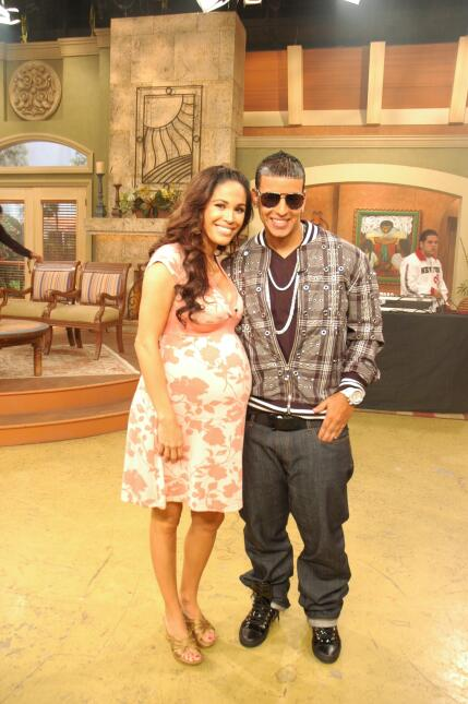 Karla Martínez con Daddy Yankee