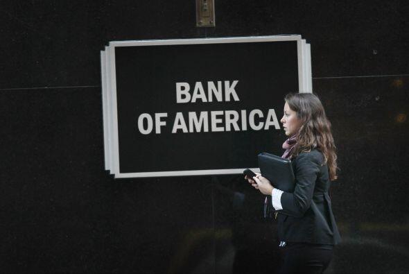 El banco ha sufrido también una rebaja en su calificación crediticia por...