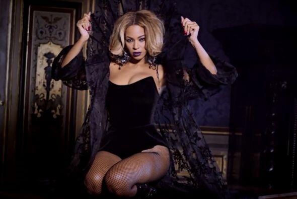 Pero con su carrera de solista destapó su sensualidad y ahora no hay vid...
