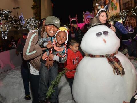 Una hermosa fiesta de Navidad reunió a los niños de la ciu...
