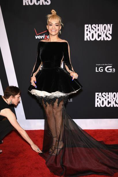Una de las peorcitas vestidas de la noche fue Rita Ora.