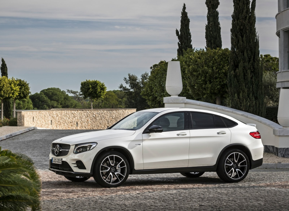 Mercedes benz presenta la nueva glc43 4matic coup 2017 for Mercedes benz metairie la