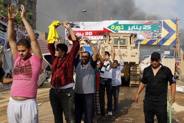 CAOS EN EGIPTO - Un golpe de Estado sacudió a Egipto el pasado 3 de juli...