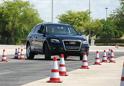 La Audi Q5 es la hermana menor de la Q7 y está construída sobre los mism...