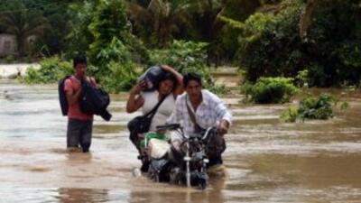 Al menos 49 muertos y 35,700 familias damnificadas por las lluvias en Bo...