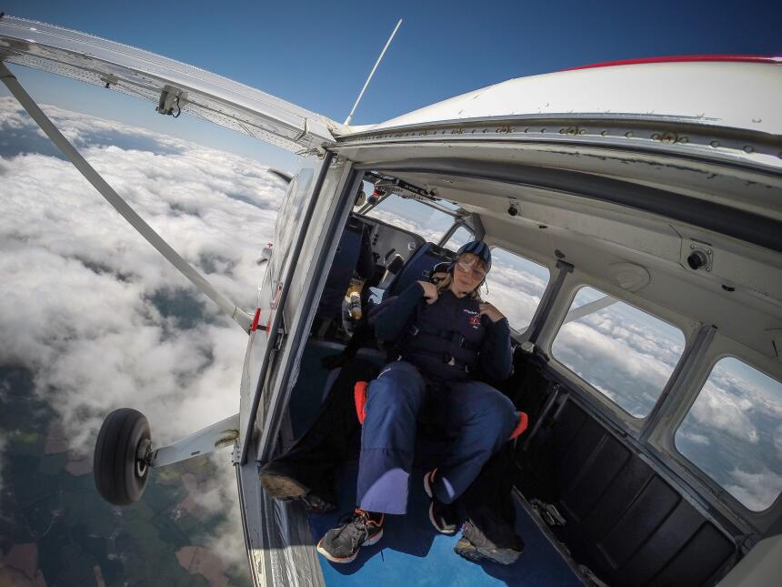 Una mamá bajó de peso para lograr su sueño: practicar paracaidísmo