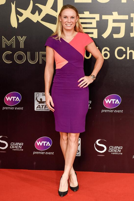 Caroline Wozniacki, la hermosa y atlética estrella en el mundo del tenis...