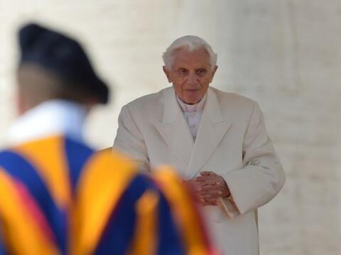 El Papa Benedicto XVI hizo su última aparición públ...
