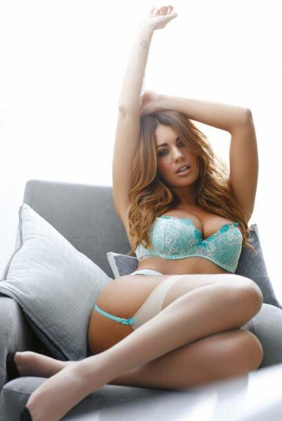 La bella modelo inglesa Holly Peers, ha posado para decenas de revistas...