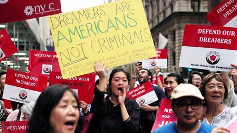 Unos 800,000 dreamers aguardan expectantes que el Congreso apruebe una l...