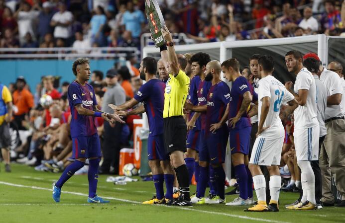 Los últimos momentos de Neymar como jugador de Barcelona 636369865950491...