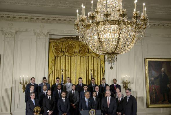 Los Spurs de San Antonio estuvieron en la Casa Blanca este lunes, donde...