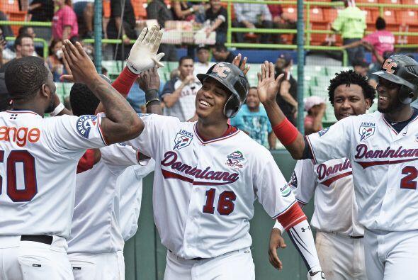Estos logros defensivos llevaron a la novena dominicana a reaccionar con...